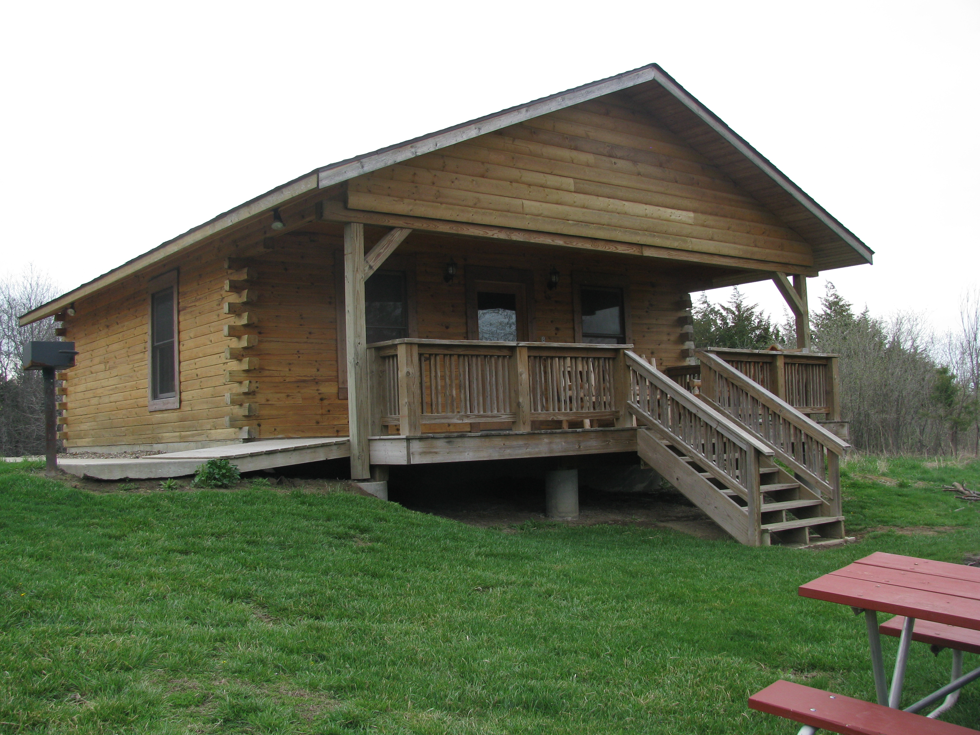 beaverdale franklin rent des to in home rental pin moines vacation the cabins dsm iowa